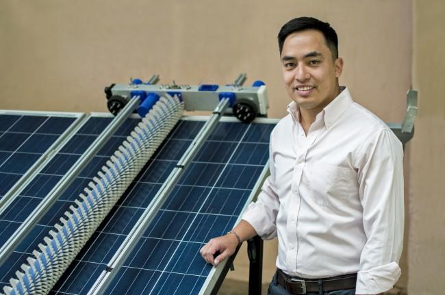 Robot que limpia paneles solares, es seleccionado para el Global Start Up Program