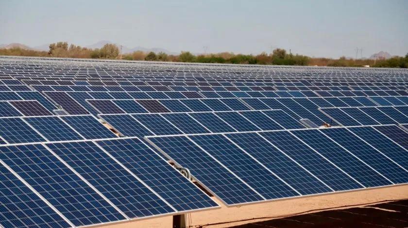 Inauguran parque solar fotovoltaico La Orejana