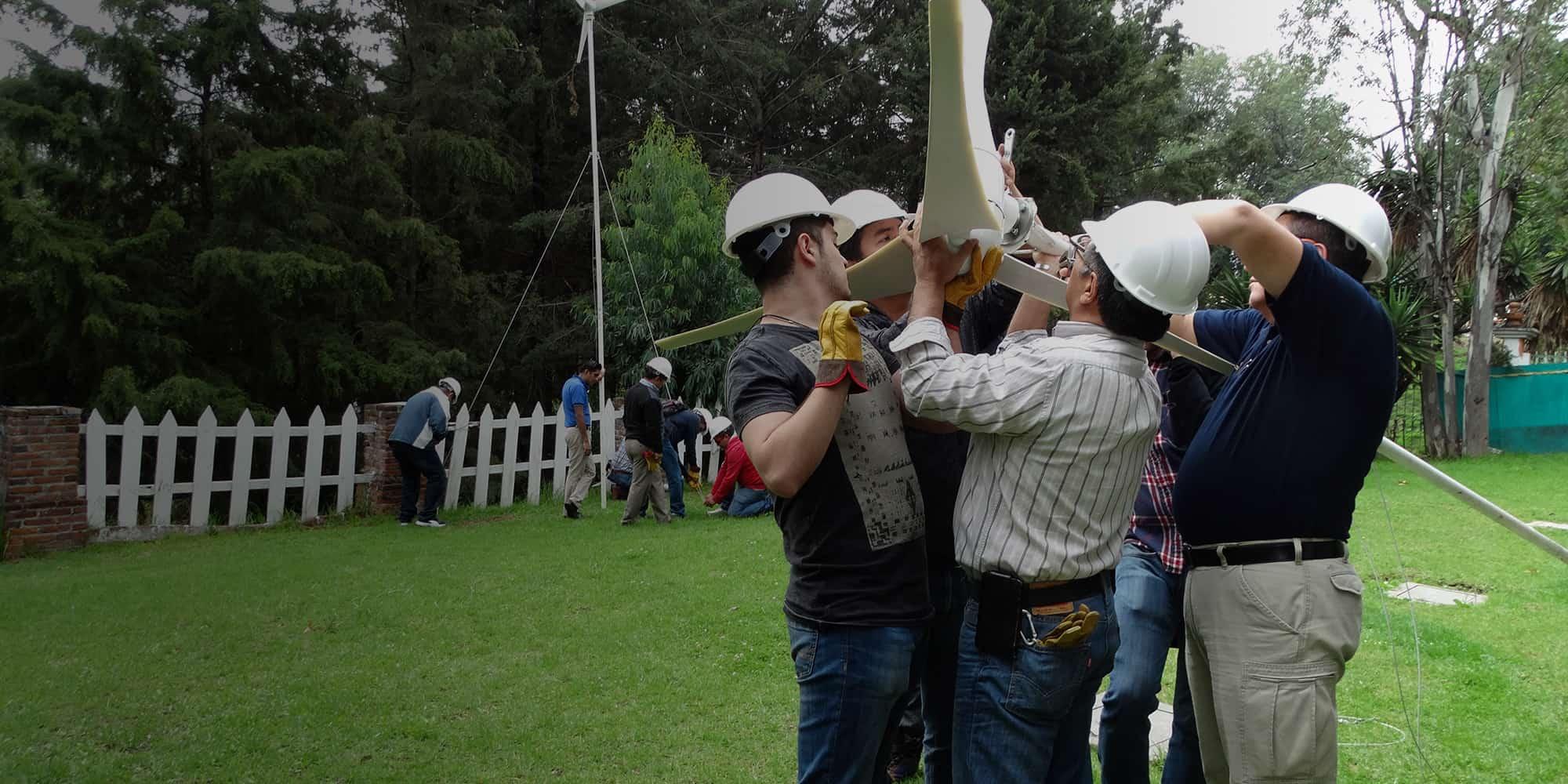 Capacitacion técnica, líder en energías renovables dirigida a personas, comunidades y negocios de México y America latina
